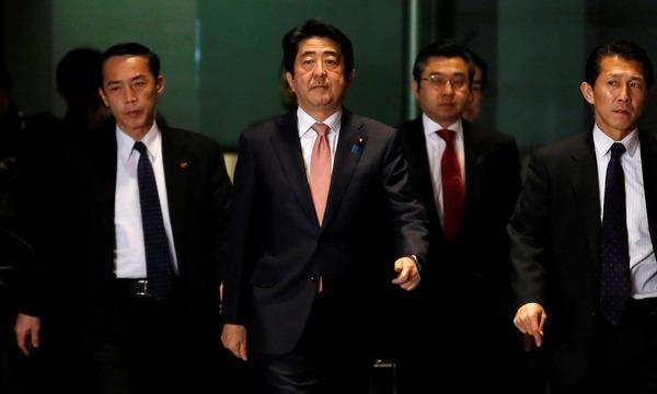 【世論調査】安倍内閣&自民党支持率が急上昇 → 韓国にはもっと厳しい対応をが多数、民進党支持率は急下降wwwwwwwwwwwwwwwのサムネイル画像