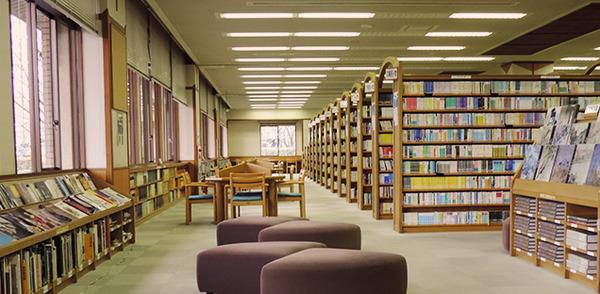 【疑問】図書館の本「コピーは良い」のに「写真撮影はダメ」何故なのかwwwwwwwwwwwwwwのサムネイル画像