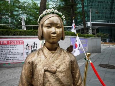 【韓国】慰安婦「日本ヲ許しタ。お金あリがトウ。」のサムネイル画像