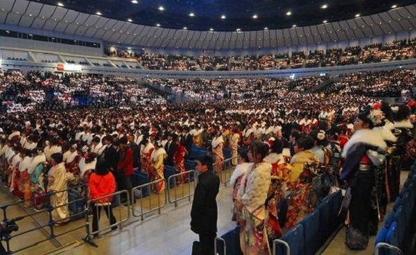 【横浜市】「はれのひ被害者のために成人式を追加開催してあげて!」→ その結果wwwwwwwwのサムネイル画像