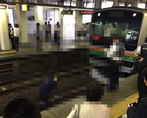 上尾駅で女子中学生が友達の目の前で飛び込み自殺。その現場をツイッター民が撮影(@_@;)のサムネイル画像