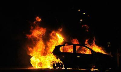 【イギリス】1600台収容可能の駐車場で火災 → 全車両が延焼・・・ のサムネイル画像