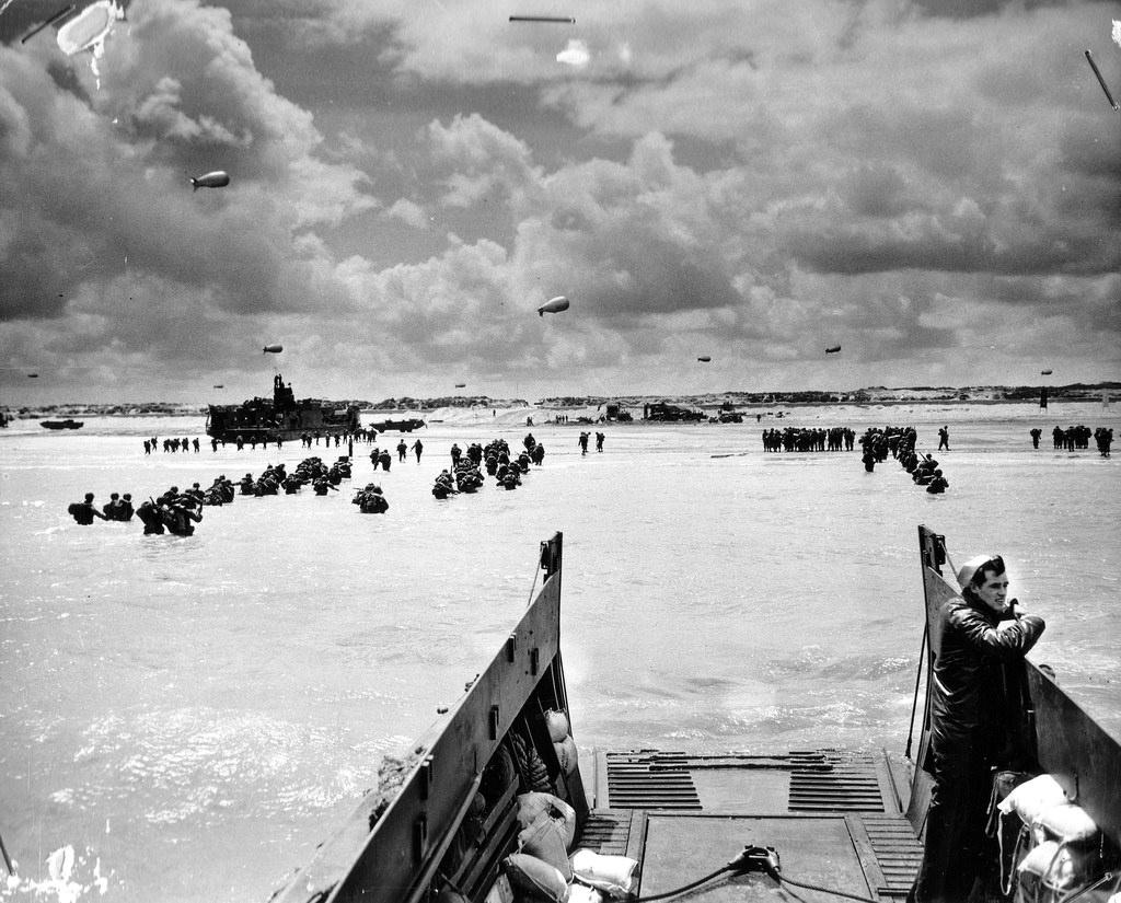 【衝撃】「ノルマンディー上陸作戦」の写真が4000枚公開される!!!!のサムネイル画像