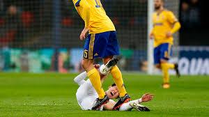 【gif】ソン・フンミン、イタリア人選手に踏まれる → 韓国人たちが激怒した結果wwwwwwwwwwwwwwのサムネイル画像