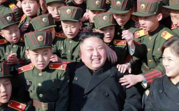 【速報】北朝鮮が軍事パレード実施 → 戦争開始間近か?のサムネイル画像