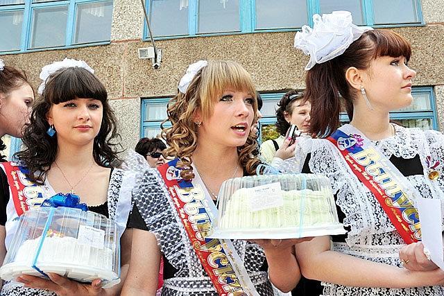ロシアの卒業式が凄い、画像大量のサムネイル画像