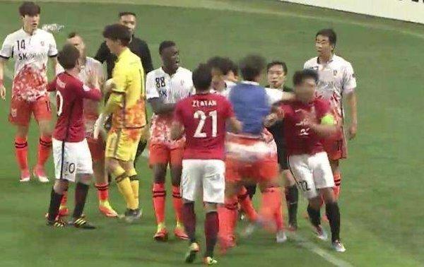 """AFC「浦和の挑発があり、意図的ではなかった」 """"乱闘""""済州の処分を軽減のサムネイル画像"""