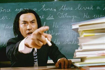 【悲報】アメリカの高校で教師が「銃」を持って教室に立てこもり → その結果・・・のサムネイル画像