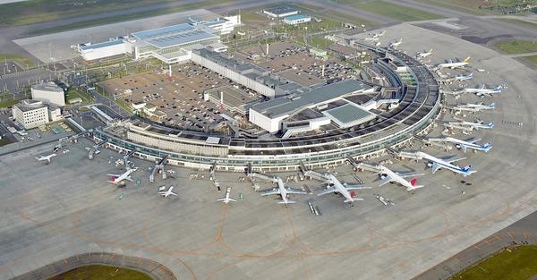 【悲報】中国人100人が新千歳空港で暴動wwwwwwwwwwwwwwwwwwwwwwのサムネイル画像
