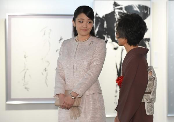 【悲報】宮内庁関係者「お二人の結婚の意思は変わらない」のサムネイル画像