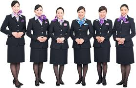【悲報】航空会社のCA、日本は女性ばかり。専門家「ここまで男性なしは異常」のサムネイル画像