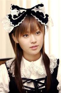 深田恭子ジェニーコスプレで太もも披露のサムネイル画像