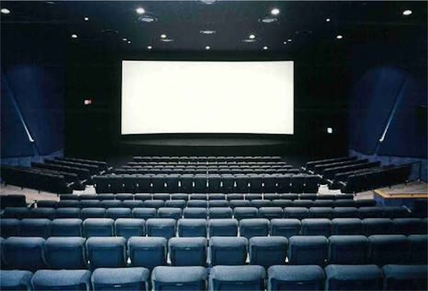 【悲報】映画館の入場者人口 11億人から1.5億人に減少へ・・・のサムネイル画像