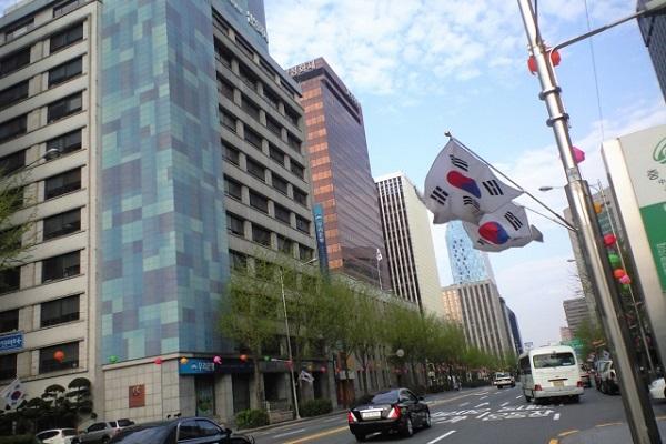 【悲報】韓国人「日本での就職を考えています」 韓国の過酷すぎる就活事情wwwwwwのサムネイル画像