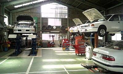 【衝撃】車の整備工場、人手不足が深刻 → その理由wwwwwwwwwwwwwwwwwのサムネイル画像