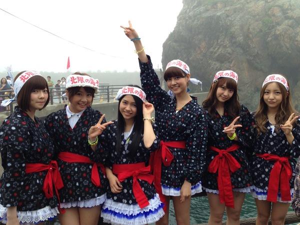 【AKB48】「あまちゃん」と夢のコラボ ぱるる(島崎遥香)、ともちん(板野友美)らが海女コスプレのサムネイル画像