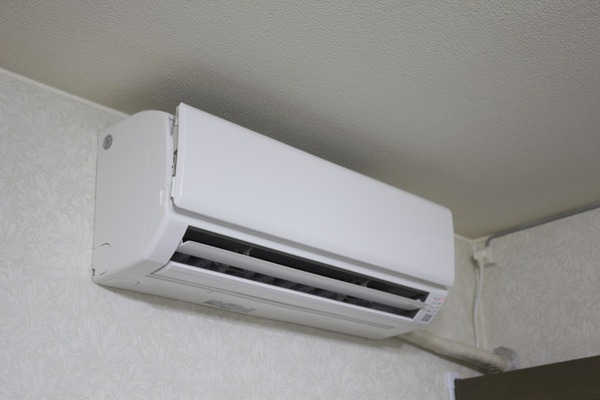 政府「クールビズだ!室温を28度に!」 企業「28度に設定と」 政府「そんなこと言ってない!」のサムネイル画像
