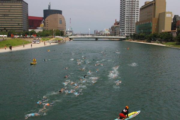 【福岡】服を着たまま川で泳いだ結果・・・のサムネイル画像
