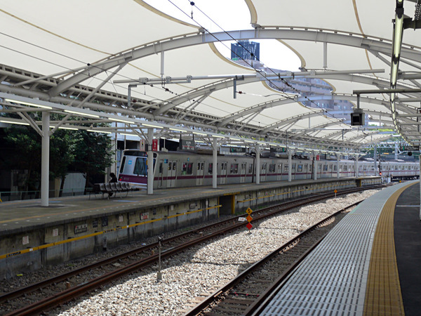 【神奈川】俳優「電車で泥酔してる人がいるから介抱したろ!」→ 何故かとんでもないことになる・・・のサムネイル画像