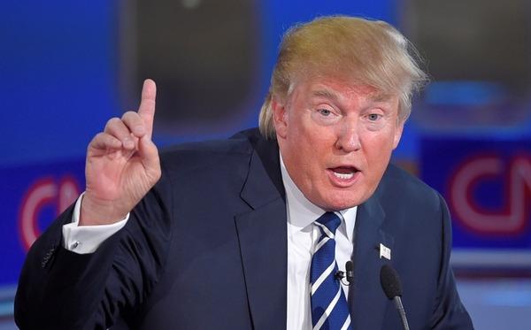 トランプ大統領「偽ニュースのCNNやNYタイムズは人類の敵だ!だから記者会見から追放する!」のサムネイル画像