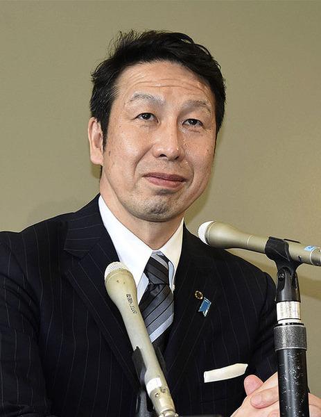 【辞任】新潟県知事が出会い系サイト「ハッピーメール」を使った結果wwwwwwwwwwwのサムネイル画像