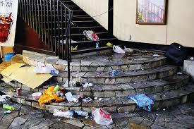 Twitter「渋谷のゴミ見て若者のマナーがどうとか言う奴はバカ ゴミ箱がないから捨てられないだけ」 のサムネイル画像