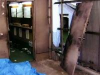 ドアを爆破して突入www大阪西成区で日本最大の賭博場を摘発のサムネイル画像