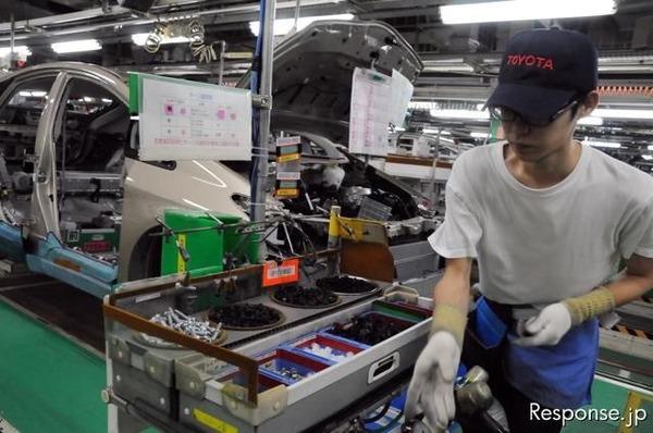 期間工1000人「トヨタでバイトやってたら正社員になっててワロタwww」 のサムネイル画像