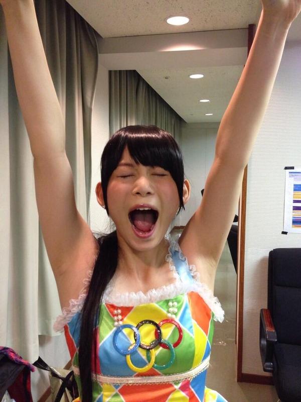 【オリンピック東京決定キタ━━(゚∀゚)】しょこたんの腋がエロ過ぎる(画像あり)wwwwwwwwwwwwwwwwwwwwwwのサムネイル画像