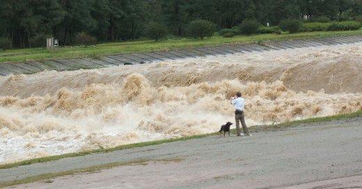 【動画】75歳医師、川に飛び込み溺死寸前の子供を救助 → 格好良すぎると話題にwwwwwwwwwwwwのサムネイル画像