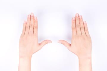 【医療】指の皮をむしるのは、癖ではなくれっきとした病気らしいwwwwwwwwwwwwwwwのサムネイル画像