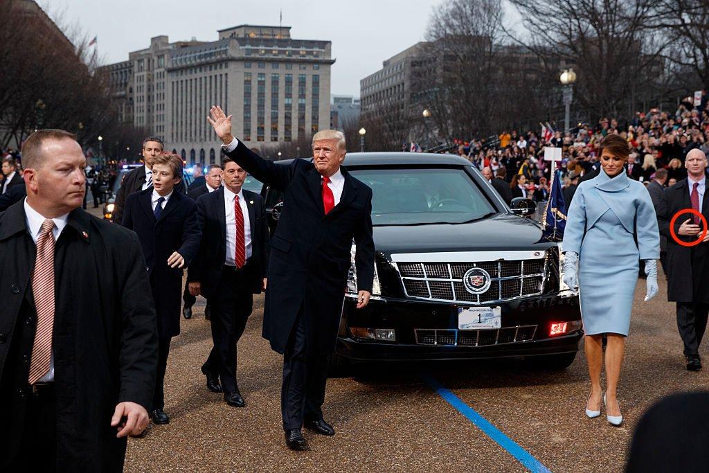 【驚愕画像】トランプ大統領のボディーガードの右手がなんか変wwwwwwwwwwwwwwwwwwのサムネイル画像
