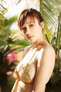 美しすぎる人気モデル、チョウ・ウェイトン(28)が純白下着写真公開のサムネイル画像