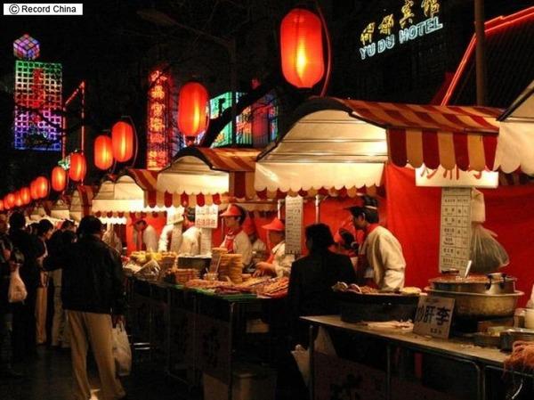 【驚愕】中国人「日本の屋台は料理の種類が少ない!中国の屋台が日本に進出したら成功する!」のサムネイル画像