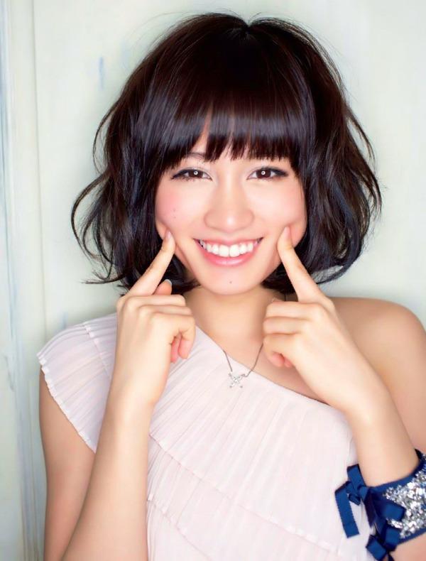 元AKB48前田敦子CMの生理用品を買うオタク殺到wwwwww 40歳男性「あっちゃんの生理ナプキンはどこですか?」のサムネイル画像