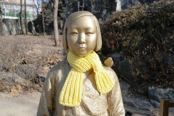 釜山市「慰安婦像は道路法に違反してるニダ」 市民団体「ファビョーーーーン!!!」のサムネイル画像