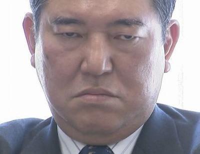 【自民党】石破茂氏「小池百合子氏をなめたら大変なことになる。怖いとかそういうもんじゃない」 のサムネイル画像