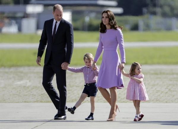 【速報】英王室キャサリン妃、第三子となる男の子を出産!!!!のサムネイル画像