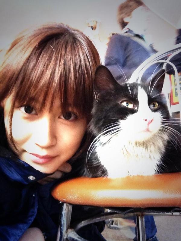 元AKB48 前田敦子(22) ニューヨークで現地スタッフと英語で交流するのサムネイル画像