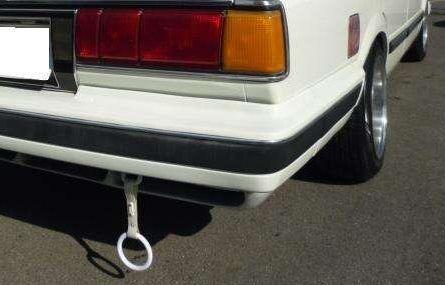 【画像】吊り輪がついてる車をたまに見かけるがどういう意図があるの? のサムネイル画像