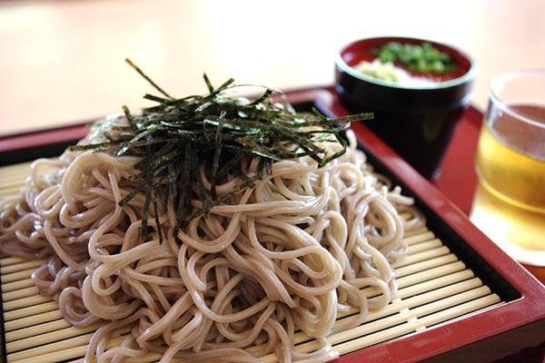 【韓国人】「日本は植民地時代に韓国人にそばをたくさん食べさせた。なぜか分かるかい」のサムネイル画像