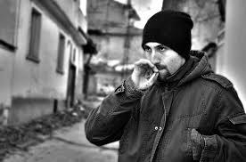 冬の高速道路のサービスエリアで嗜むタバコと缶コーヒーの美味しさは異常wwwwwwwwww のサムネイル画像