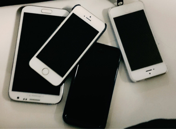 【衝撃】中高生が絶対に「iPhone」じゃないと嫌な理由wwwwwwwwwのサムネイル画像