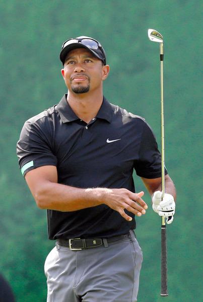 【画像】 タイガー・ウッズ、オフシーズンの間に肉体をガチムチに改造 → ゴルフに悪影響 のサムネイル画像