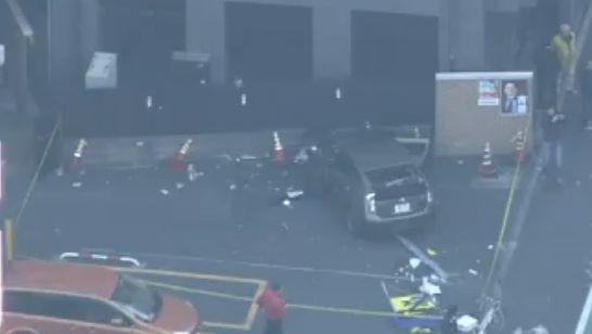 【またか】山手通りで37歳男運転のプリウスが暴走し次々衝突 → 7台絡む事故にwwwwwwwwwwwwwwwwwのサムネイル画像