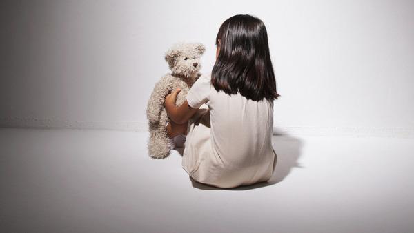 幼女を虐待する女の言い分「本当にかわいそうなのは私。子供を殴ると手が痛いのも私。」のサムネイル画像