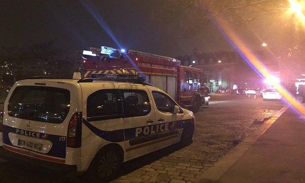 【速報】仏パリでテロか。地下鉄で銃声や爆発音の報告・・・のサムネイル画像