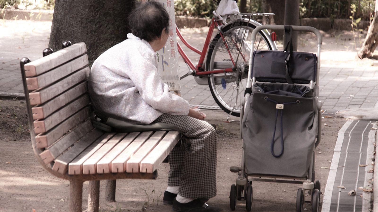 【年金】生活苦に悩む高齢者たちの実情  → 持ち家が足かせになり、生活保護を受けることすらできないのサムネイル画像