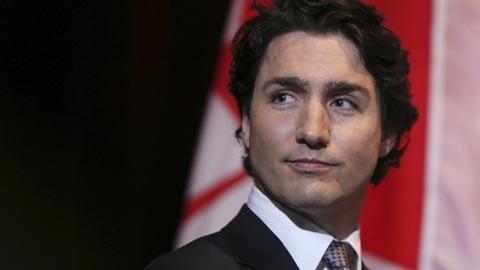 カナダ首相「トランプが追い出した移民受け入れます」トランプ「お前のとこにも壁作るぞ!」のサムネイル画像