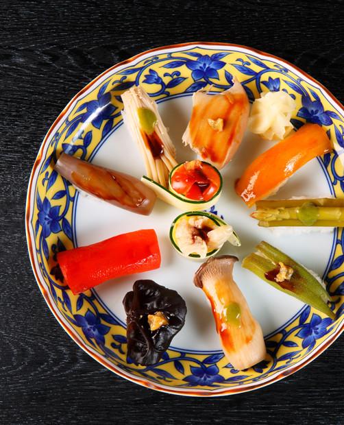 【衝撃】埼玉で大流行「野菜寿司」は本当に美味いのかwwwwwwwwwwwwのサムネイル画像
